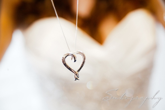 Love this necklace and the pretty shot, photo by Sutography