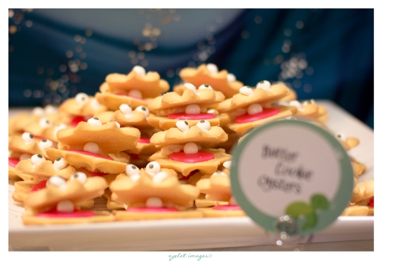 Clamshell cookies, assembled by Events by Elisa