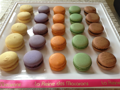 Photo from La Reine des Macarons website